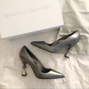 BNIB Manolo Blahnik Lily pumps heels 105mm